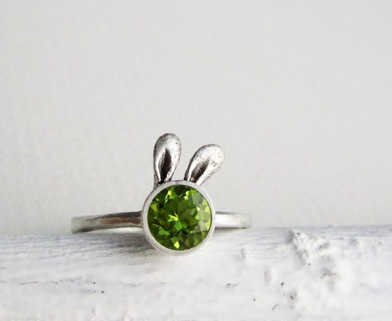 Green Bunny Peridot Sterling Silver Ring