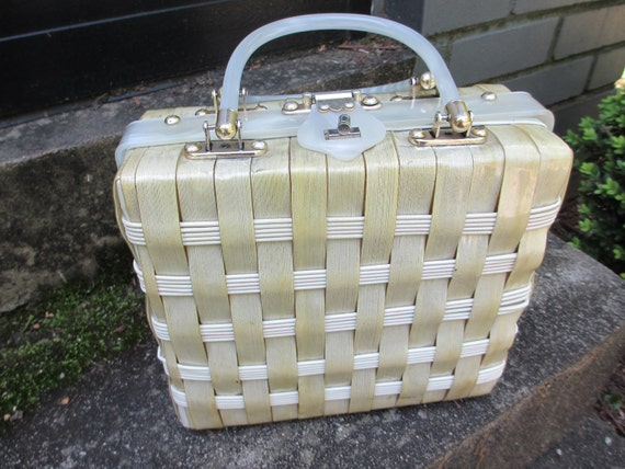 Sale 20% Off Vintage Lucite Purse - Stylecraft Cream Basketweave