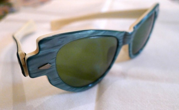 Lovely 1950s Lucite Sunglasses in Aqua and Cream by 'Calobar'