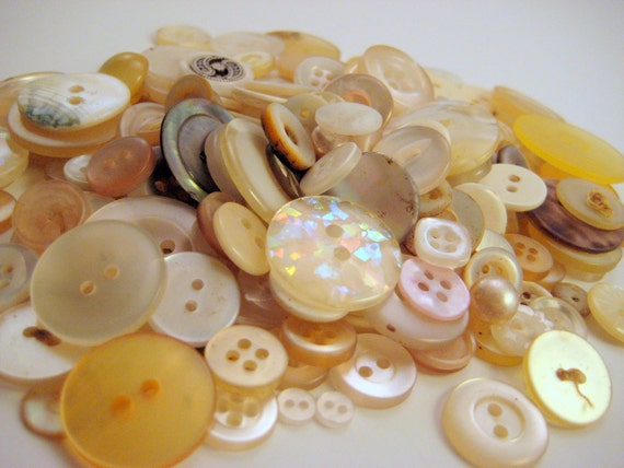 Button Lot Pearlized/Clear/Cream Vintage 3.5 oz