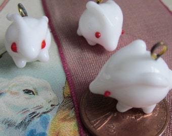 I'm late for Easter.... But Heres The Bunny Beads