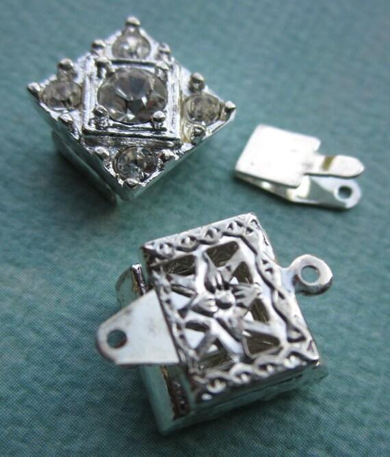 Antique Necklace Clasp With Rhinestones