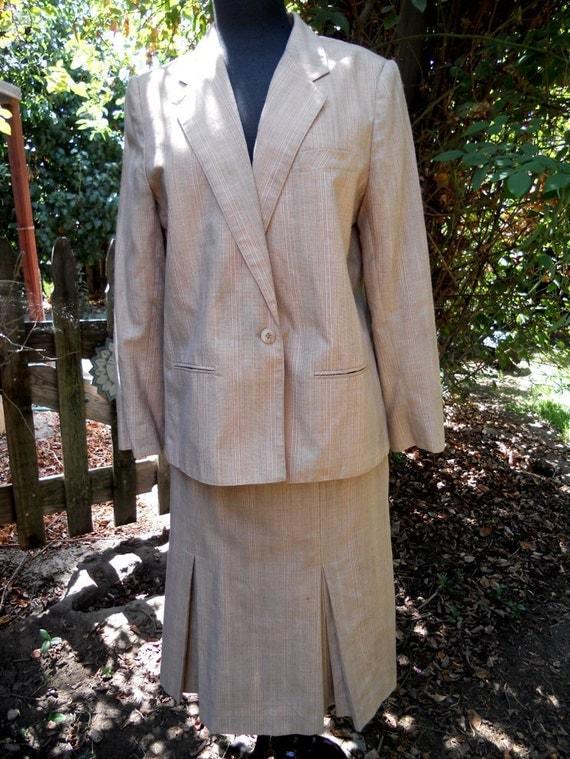 SALE Vintage 50s 60s Skirt Suit . PEACH Striped Suit . Two Piece Suit . Pleated Skirt . Tailored by Handmacher Sz M-L