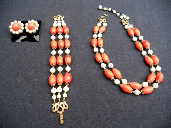 60s TRIFARI Orange Bead Necklace Set . Crown Trifari 3 Piece Set Unworn NWT