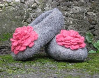 Felted kids slippers / home shoes - Pink dream -  for children, for girl. Size 23-33 EU. Made to order.  Gifts Under 50