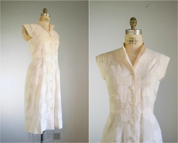 Vintage 1940s Sleeveless Cream White Appliqued Dress .. Size Medium