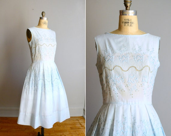 Vintage 1950s Baby Blue Embroidered Sleeveless Sundress .. Size Small / Medium