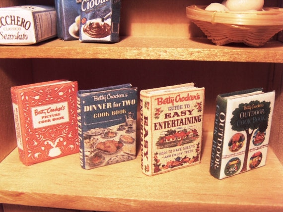 8 vintage cookbooks Collection '40s / '50s - miniature 1:12 scale for dollhouses