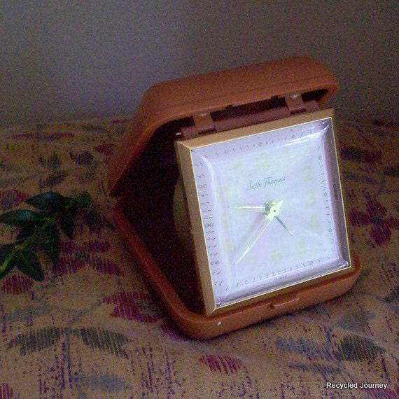 Seth Thomas Vintage Wind Up Travel Alarm Clock