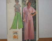Simplicity Pattern 5574  Misses' Super Jiffy Front-Wrap Top And Wide Leg Pants  1970's  Uncut