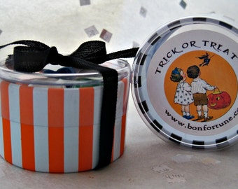 Halloween Trick or Treat Party Favor Containers w/ribbon- Set of 6 Black