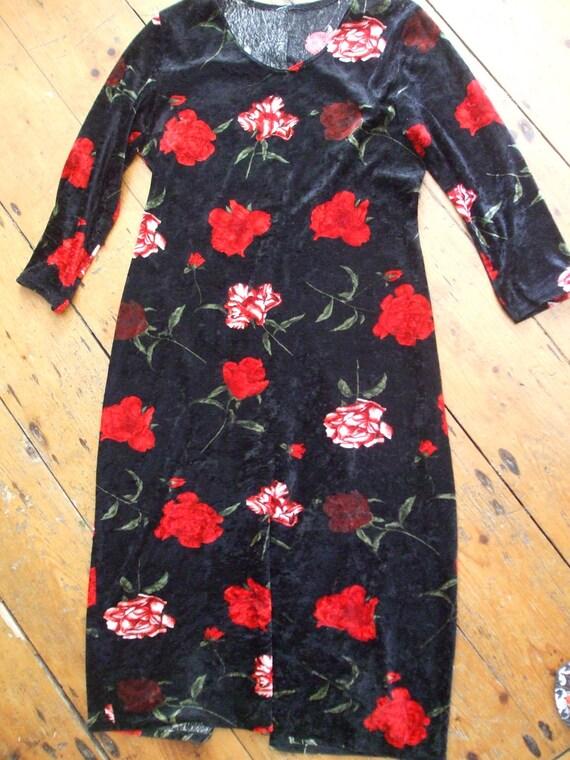 Black floral stretchy velvet long sleeved dress 12 - 14(uk)