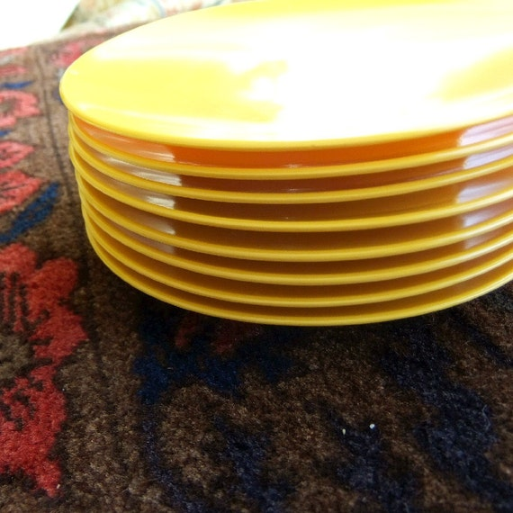 8 Yellow Vintage Melamine Plates - Made in the USA