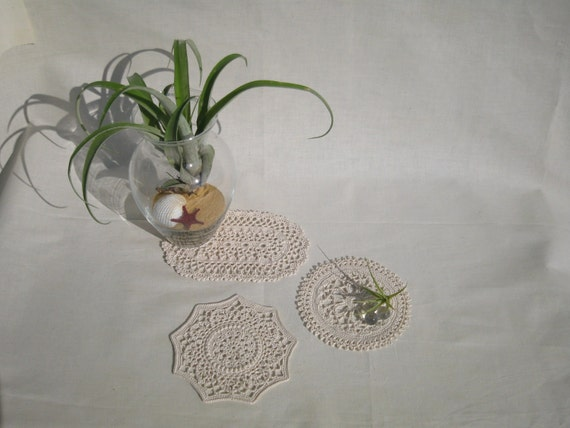 Natural colored middle size doily set : Beige