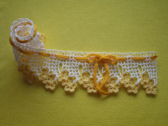 Flower lacy ribbon : Yellow
