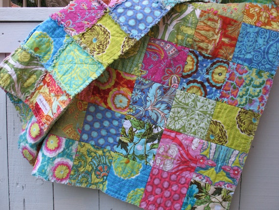 rag quilt - reversible Amy Butler Soul Blossoms Throw size
