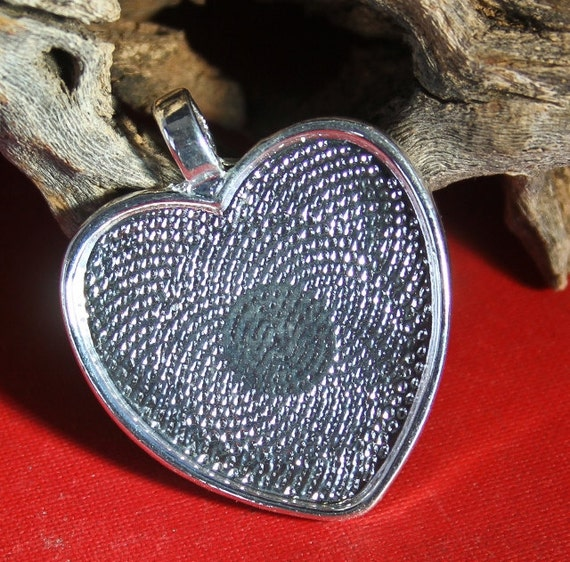 1 Heart 1 inch Photo pendant Frame charms - Cabochon setting Shiny silver