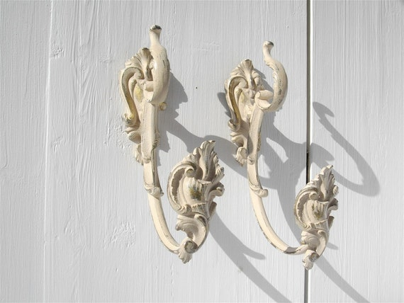 DISCOUNT of 15 % to 31 august 2012. Enter the code promo: HOLIDAYS2012   French Vintage  bronze curtain tiebacks.