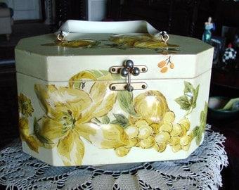 "Annie Laurie Palm Beach Originals Bakelite ""Decoupage"" Handbag"