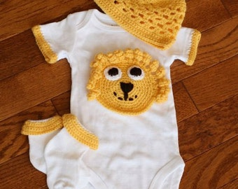 Adorable Lion Onesie Hat and Sock Set