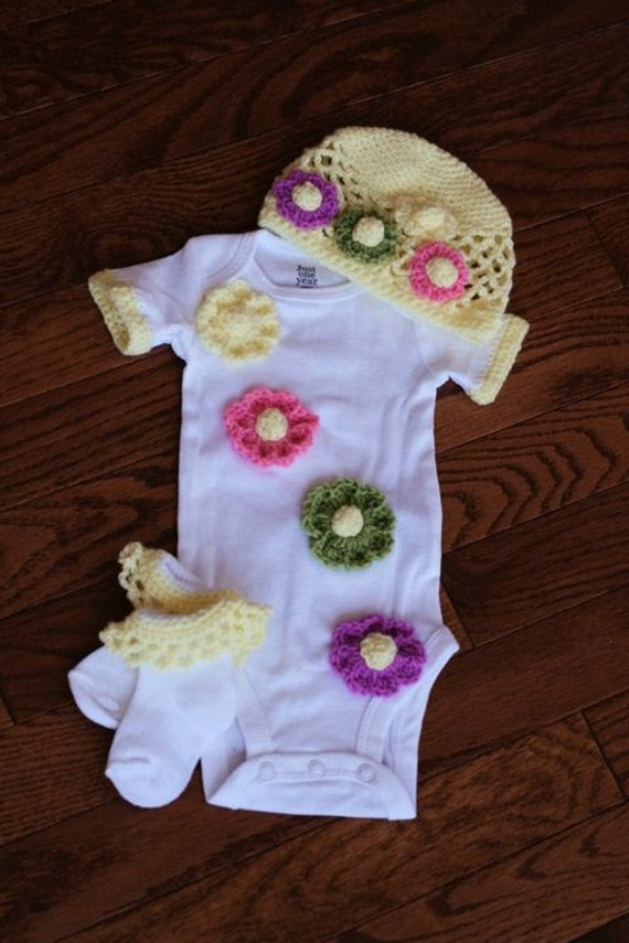 Beautiful Onesie Hat and Sock Set