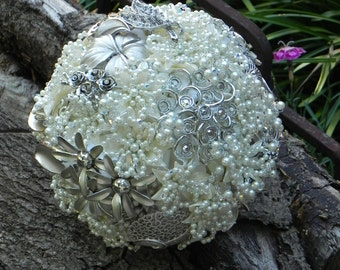 Brooch Wedding Bouquet in Ivory with Swarovski Crystals