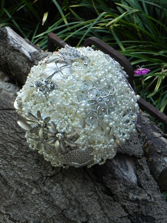 Brooch Wedding Bouquet in Ivory with Swarovski Crystals