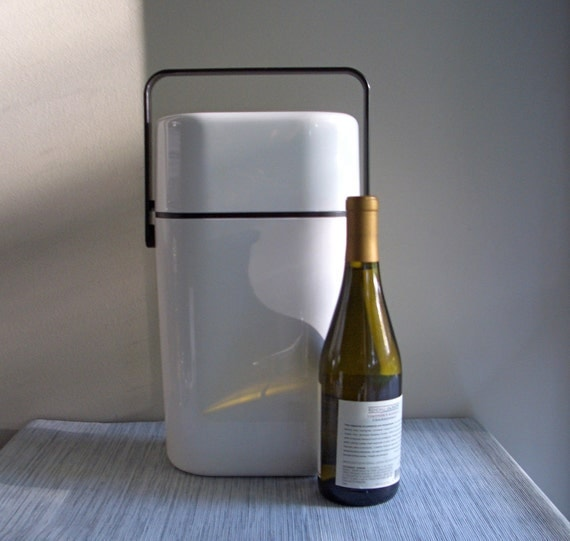 decor BYO White Insulated Wine Carrier & Chiller