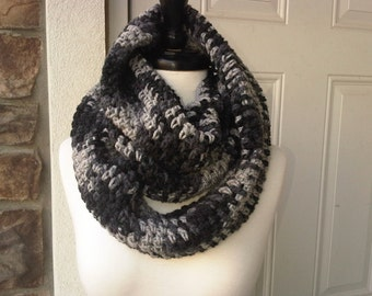 Crochet Circle Infinity Scarf Unisex - CHARCOAL PRINT