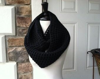 Crochet Circle Infinity Unisex Scarf - BLACK