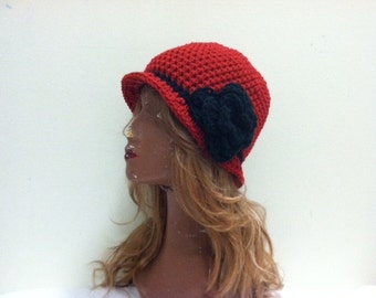 SALE Crochet Cloche Flapper Hat - CLARET/BLACK