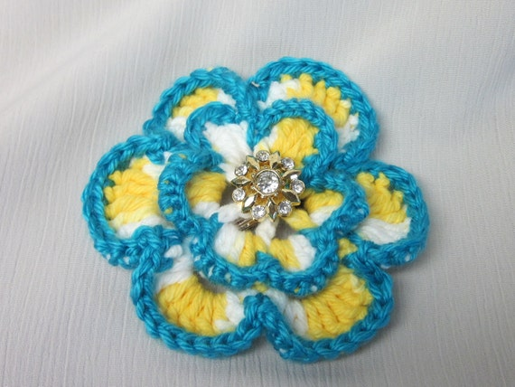 Beautiful Crochet Flower Hair Clip with Crystals Button