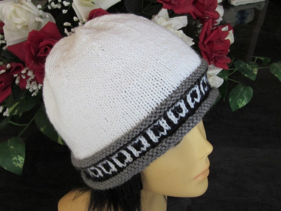 Hand-knitted White Hat with Beautiful Grey Heather and Black Norwegian Ornament