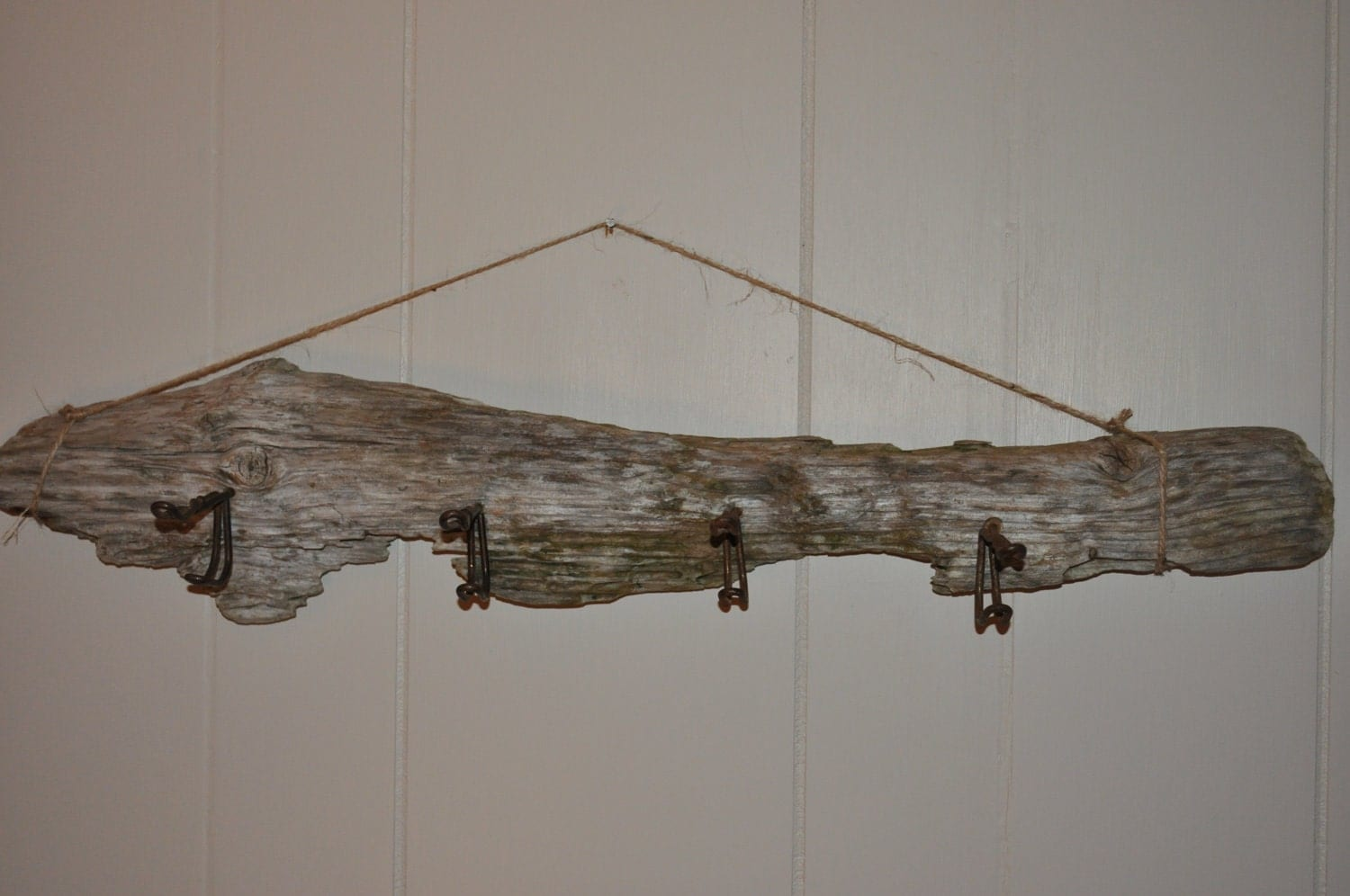 Geniune maine driftwood coat hook rack with vintage wire hooks - Unusual uses for wire coat hangers ...