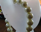 7 inch stretchy Bracelet in glass Pearl beads