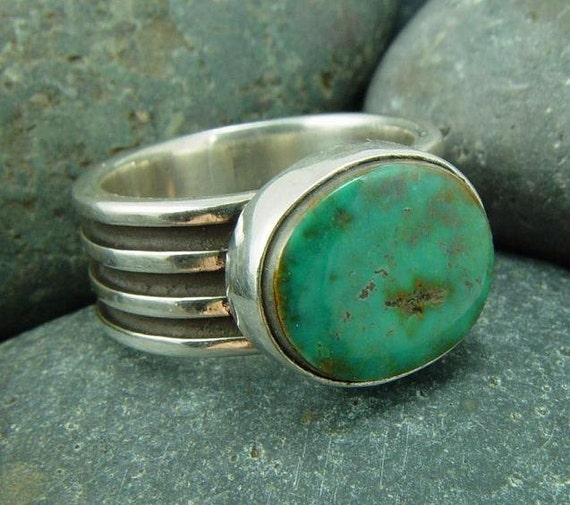 Hachita Turquoise Ring on Deco Shank - Size 8 - High Lonesome Turquoise Mine, New Mexico