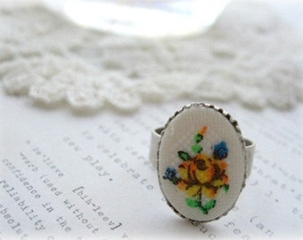 Silver Ring with Yellow & Orange Flower Tapestry Cab