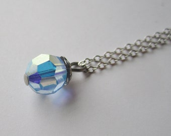 Dainty chain with Blue Aurora Borealis Crystal