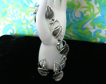 Vintage Silvertone Leaf Bracelet and Earrings Set - Sarah Coventry