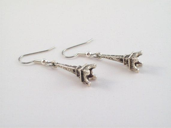 J'Adore Paris Earrings - Simple, Elegant, Classic