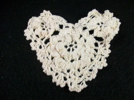 Crochet Doilie Heart Ercu