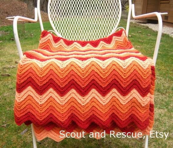 Vintage orange cream afghan // crochet chevron ripple throw // BEAUTIFUL