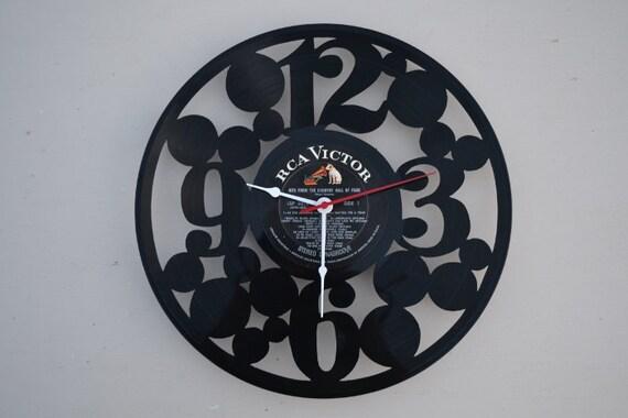 vinyl record clock (artist is Floyd Cramer)
