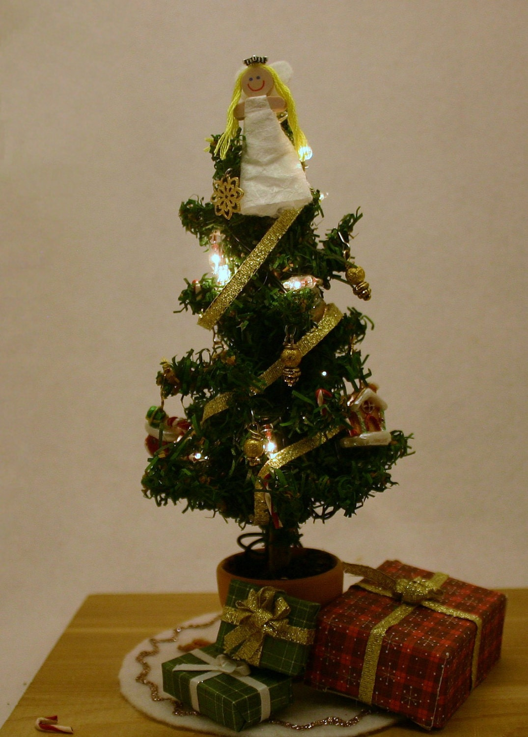 Miniature Lighted Christmas Tree 1 inch scale