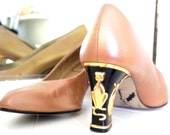 Vintage 80s Tan NINA Cat Detail Stacked Pumps Size 8 M