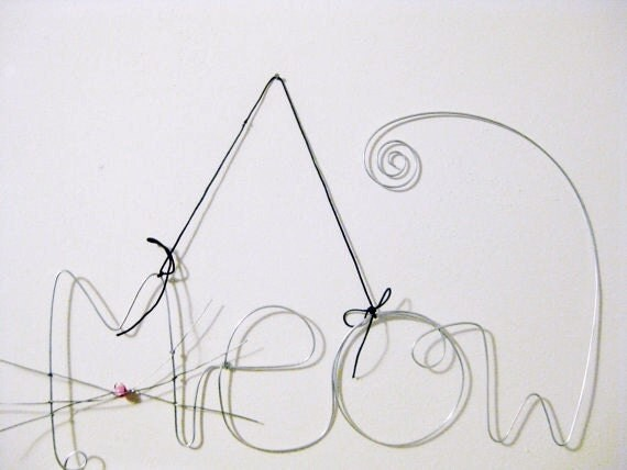 Hanging Wire Word Meow, Kitty Cat, Pet Photo Holder, Picture Frame with Whiskers, Pink nose and Tail, Cat Lover