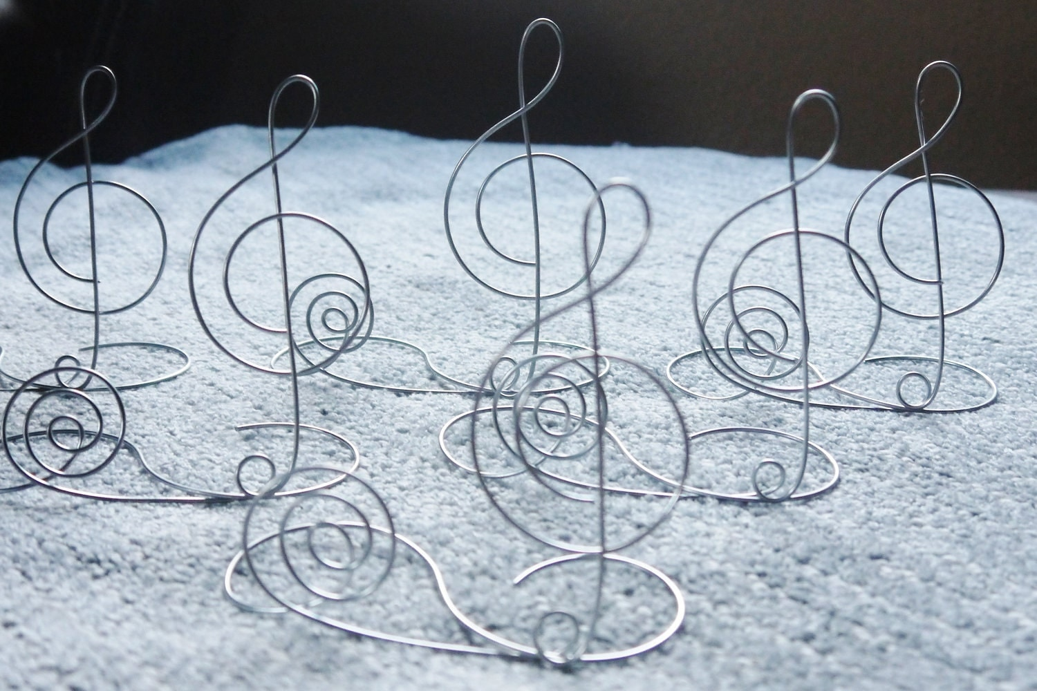 Wire treble clef table name card holder centerpiece for for Decoration porte nom table
