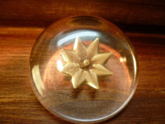 Unique  ANTIQUE Large Clear Button-(c179)