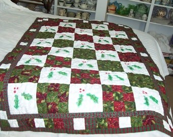 Winter Holly quilted throw or wall hanging