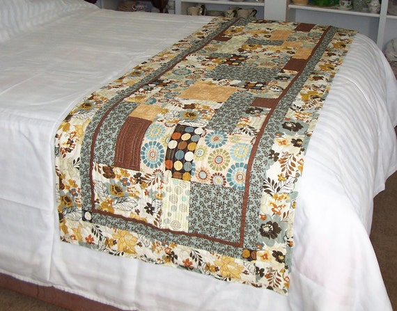 Quilted bed runner city garden wedding gift for Bed quilting designs